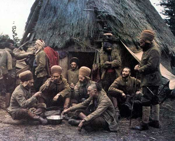 A Group Of Spahis Algerian Soldiers Cooking Their Meal Near Village In Oise Northern France 1917